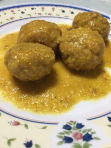 albóndigas en salsa de almendras sin gluten