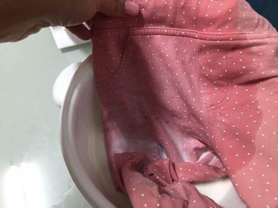 Como eliminar las manchas de rotulador de la ropa